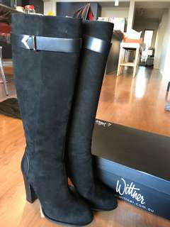 Wittner knee high leather black suede boots