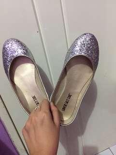 Preloved- Silver Flatshoes
