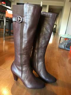 BETTS Knee high leather boots