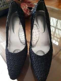 Yongki komaladi Heels 12cm