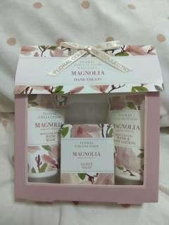 🚚 Reduced: BNIB Magnolia hand treats: M&S beauty