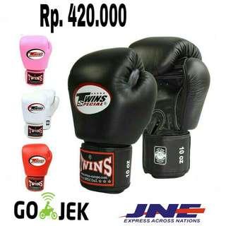 Sarung Tinju Twins OEM bahan PU Leather - Sarung Tinju Muaythai Boxing MMA Samsak