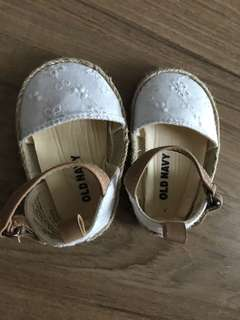 Pre-Loved Old Navy Baby Pram Shoe #20UNDER