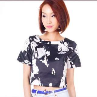 The Closet Lover Reversi Abstract Top