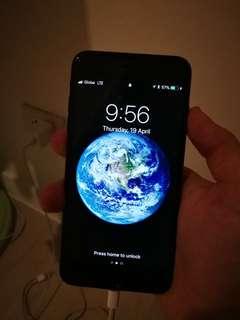 Iphone 7plus - 128gb with 3 orig cases