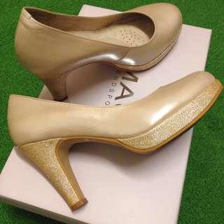 🚚 MAGY瑪格麗特 完美比例 氣質圓楦牛皮珠光高跟鞋(粉膚)適合腳小的女生們👭