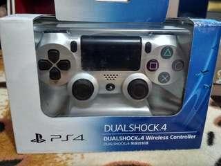 Dualshock 4 wireless silver controller (NEW)