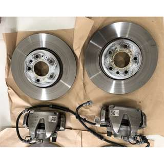 Used Audi A4 B9 front & rear stock brakes. (3500km)