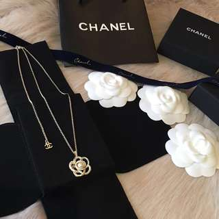 Chanel 山茶花珍珠頸鏈