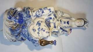 江西瓷器厂制造的观音菩萨Guanyin Bodhisattva made in Jiangxi porcelain factory