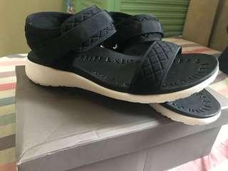 Sepatu Sandal Charles & Keith Original NEW