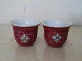 紅地洋蘭壽紋陶瓷杯一對