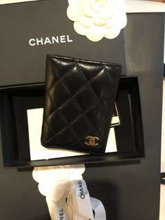 Authentic Chanel card holder 22 series