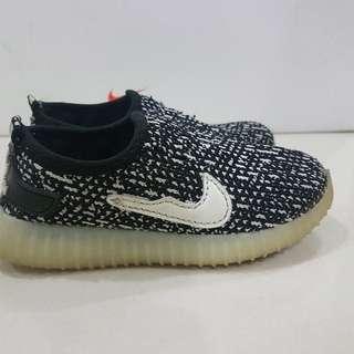 Boy Black Sneaker
