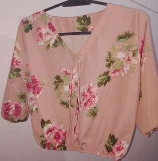 Floral pink half-sleeve top 🌼 #sweldosale6