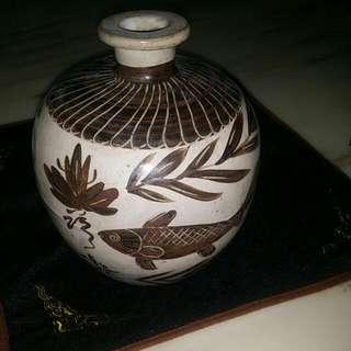 金/元磁州窑黑彩魚荷瓷罐