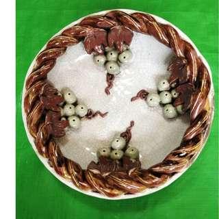 Ge Glazed grape narcissus pot, 哥釉雕葡萄水仙盆