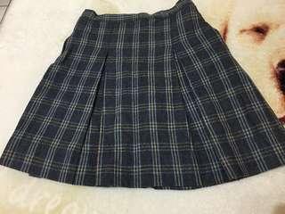🚚 *麗嬰房* 時尚冬季格子短裙