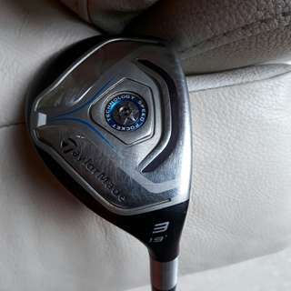 Almost new TaylorMade Rescue 3, 19 Degree, Regular Flex c/w  Original Cover