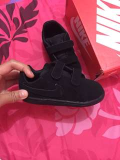 Nike baby shoes black