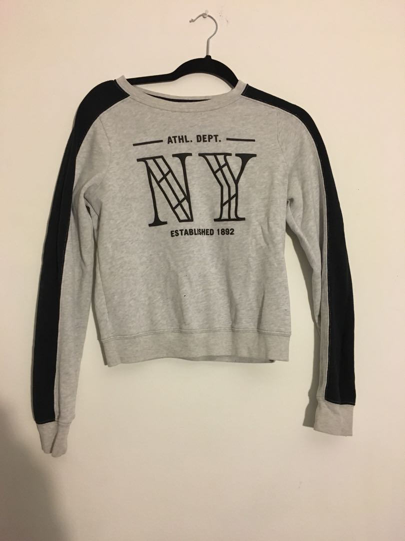 Abercrombie sweat shirt