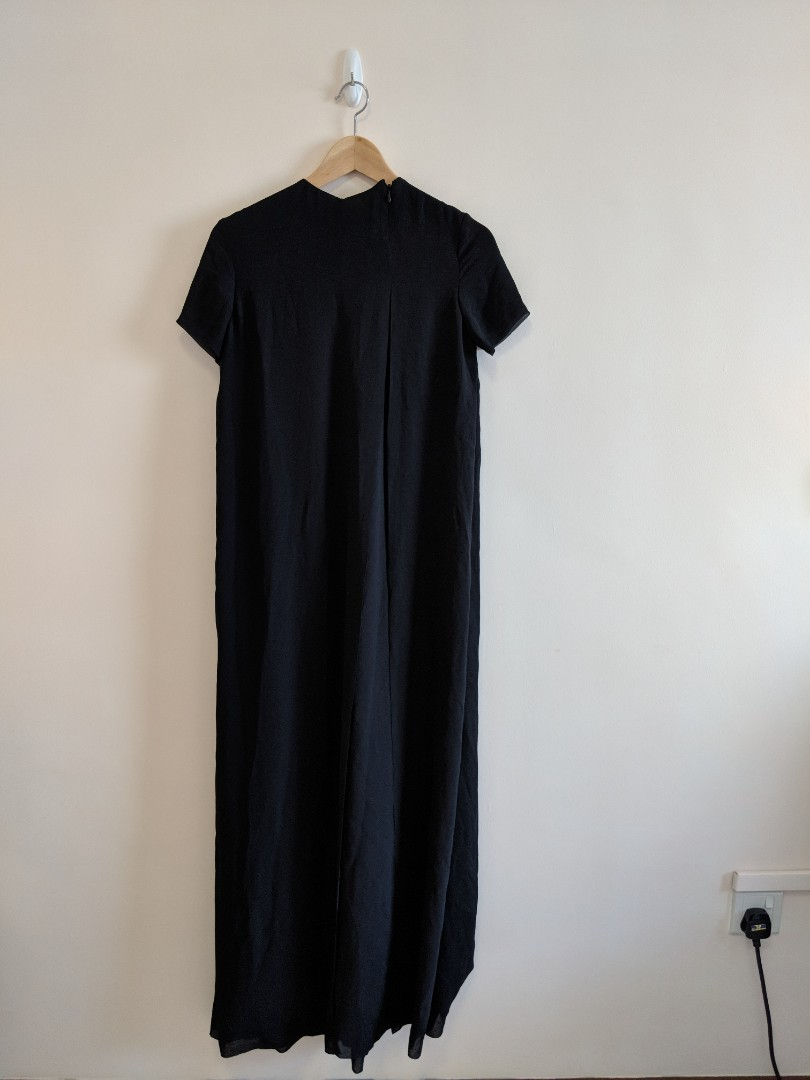 13b2e39f7b2 COS Maxi black dress