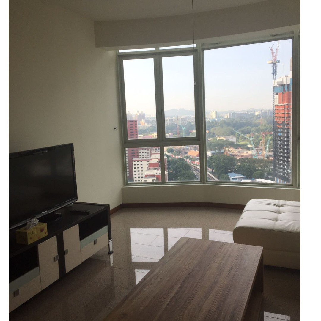 High Floor Queens condo 3 bedroom unit for Rent  2 minutes