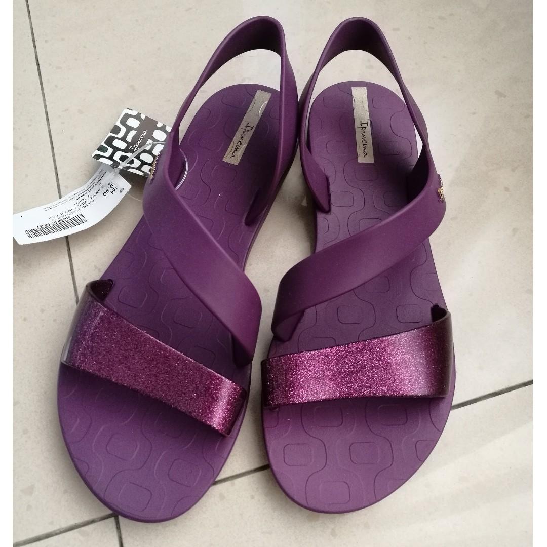 62a95f52cbb7 Ipanema Vibe Sandals (Size 8)