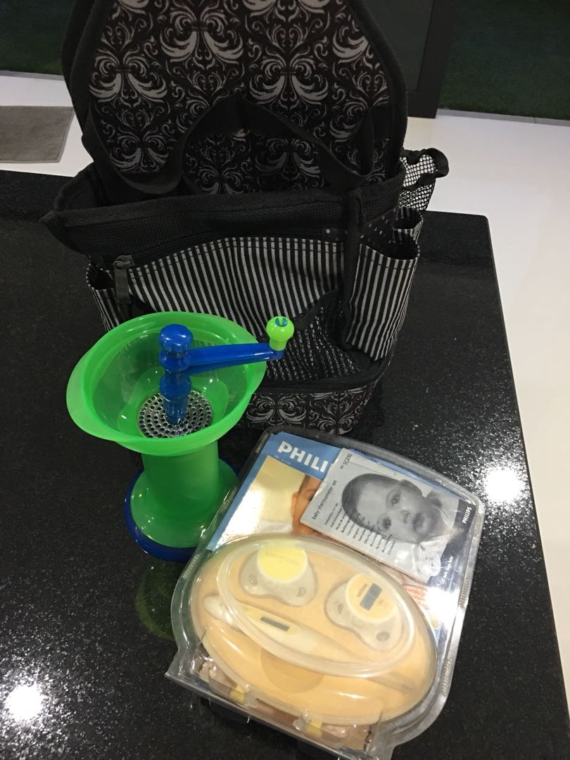 Munchkin manual grinder+ thermometer+miscellaneous holder, Babies ...