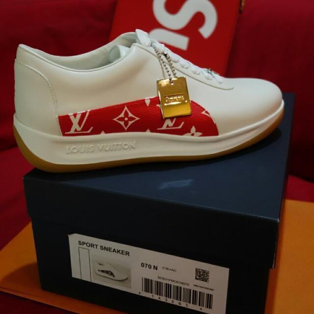 c33f4df094b Selling for Retail price only !!!LV X SUPREME RUNAWAY SNEAKER Lv Sze ...