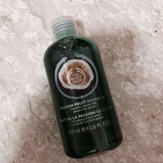 The Body Shop Shower Gel - passionfruit