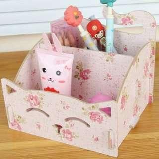 Tempat makeup kucing pink