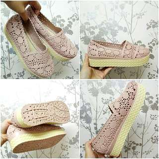 🆕 Dusty Pink Wedges Shoes