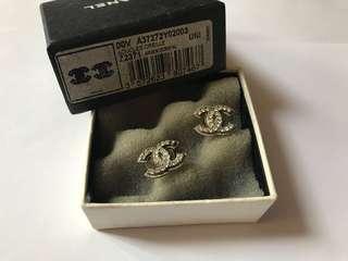 Chanel 停產耳環