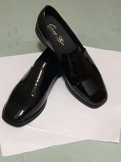 Queen shop 皮革樂福鞋