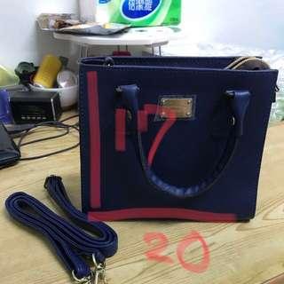 🚚 藍色小手提包