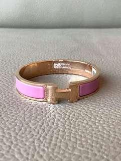 全新Hermes Clic Clac H Enamel Bracelet Bangle Rose Gold Plated Hardware Pink Rose Flamingo Size PM