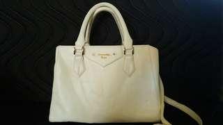 Samantha Vega handbag