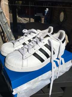 Adidas Superstar sz 6 women
