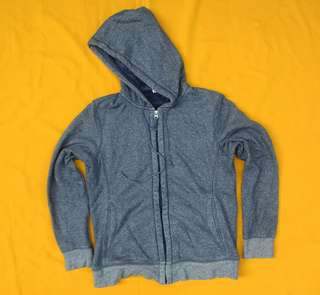ZH UNIQLO Blue Washed Size L 62x53 Kondisi 95% like new Price? 130rb exc pass