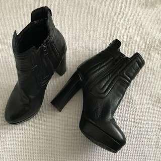 Rudsak boots size 10/40