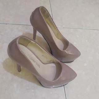 pointed heel shoes(used once)