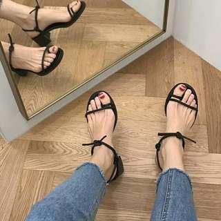 🚚 韓國羅馬百搭高跟涼鞋