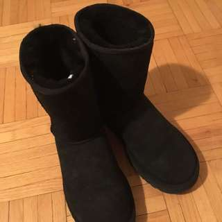 Ugg Classic Short size 6
