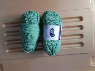 Moda vera beetle yarn