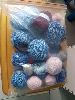 Acrylic yarn mixtures