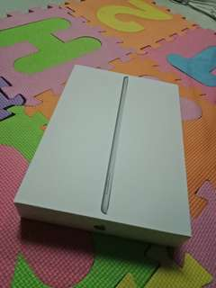 iPad wifi 32GB UNUSED