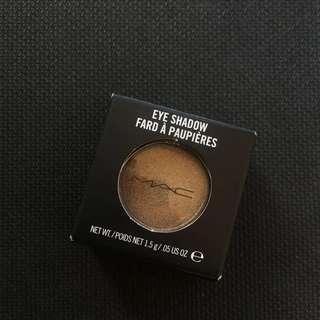 Tempting Lustre MAC Eye Shadow A44