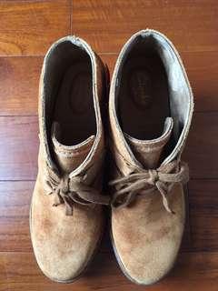 Clarks 英國倫敦帶回全新麂皮短靴