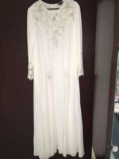 DYANA White Jubah / Dresess